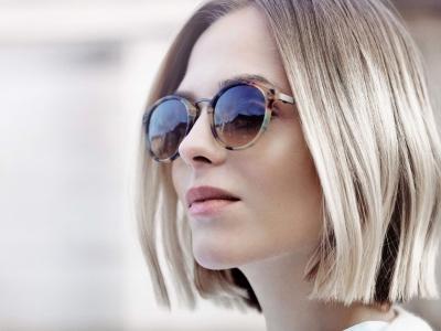 Sunglasses lady block